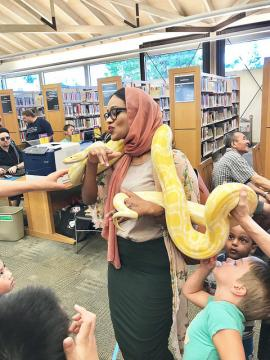Snake demonstration at library event