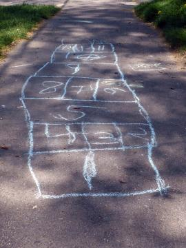 sidewalk chalk hopscotch course