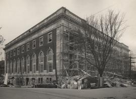 Central Library nears completion in 1913.