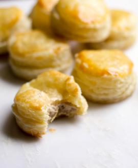 Bánh Patê Sô / Pâté Chaud